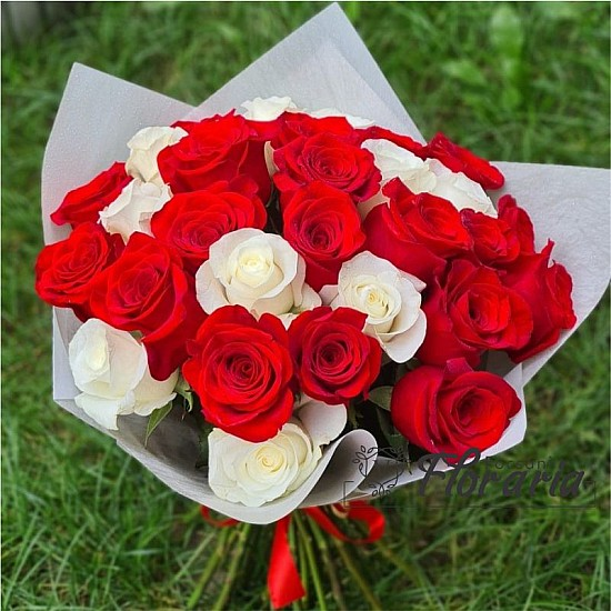 Bouquet of 29 White and Red roses