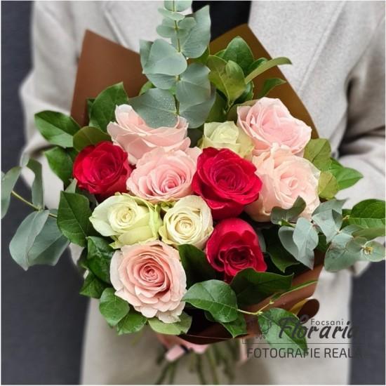 Bouquet 11 Multicolored Roses